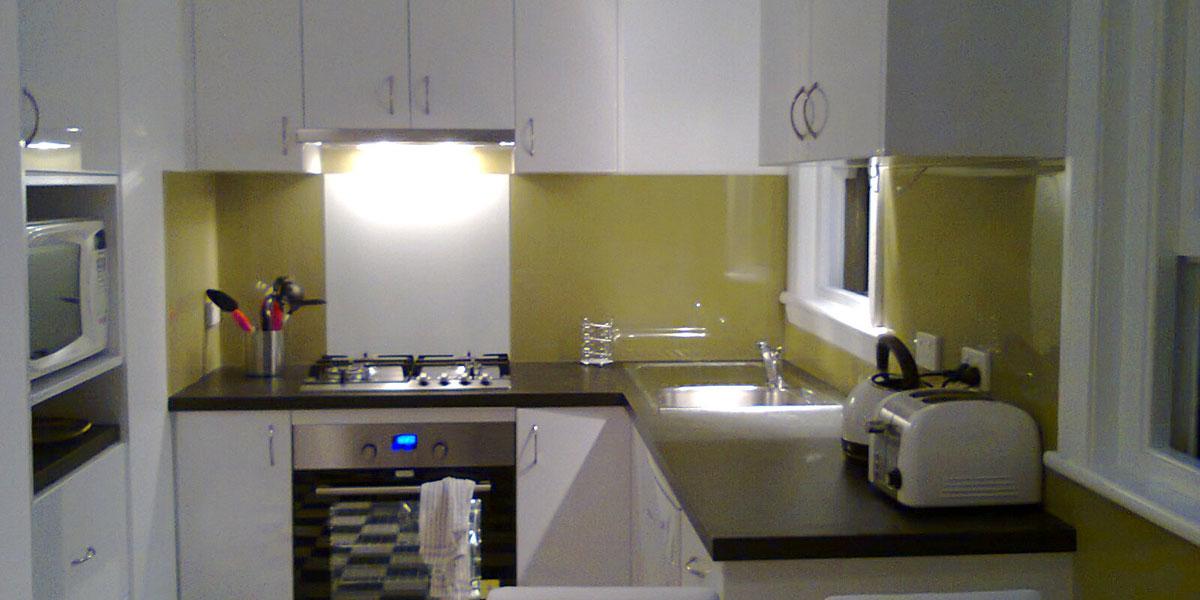 Stockton Beach House - modern kitchen